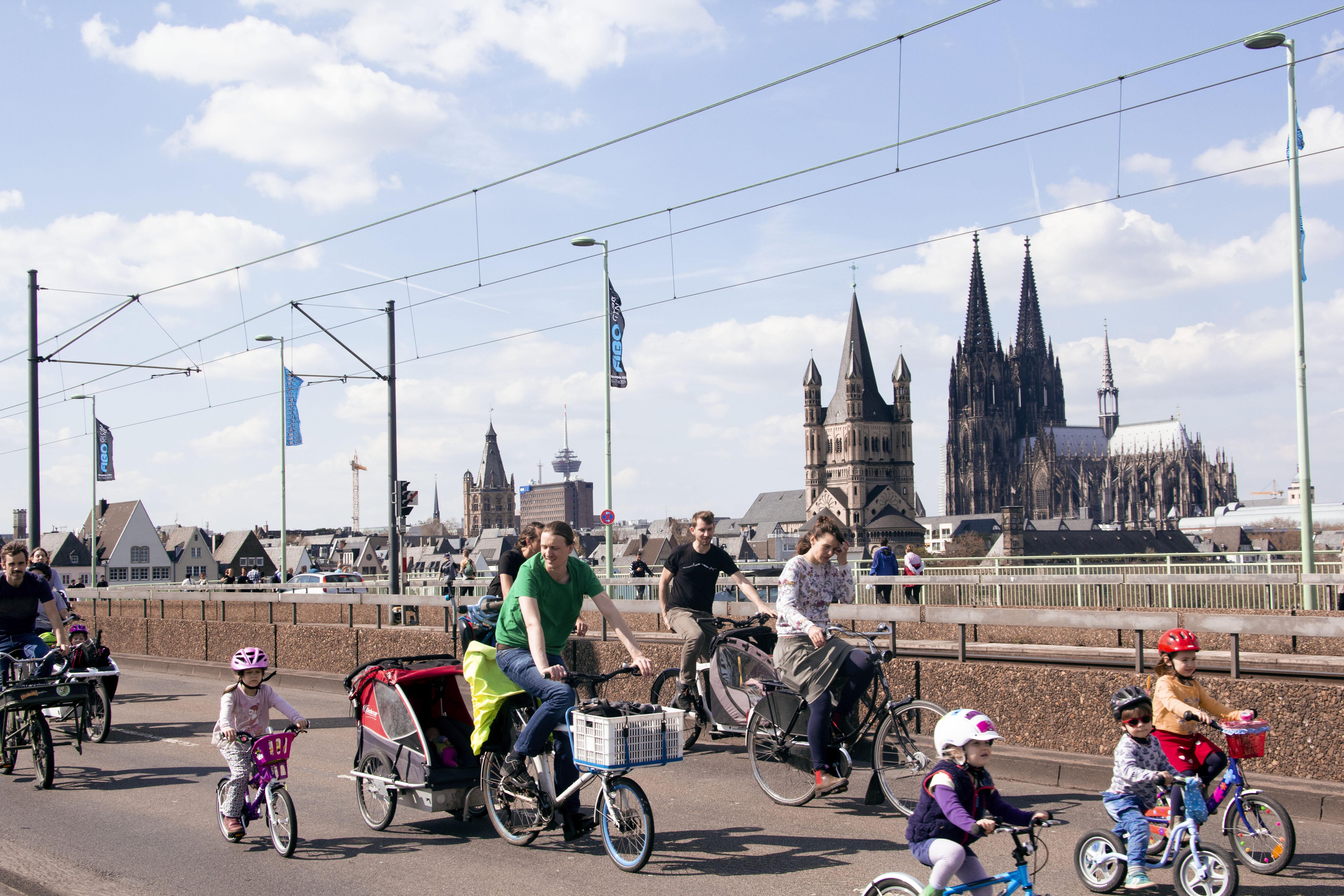 KIDICAL MASS KÖLN, kleine Radfahrende erobern die Straßen / Foto: Hannah Walther