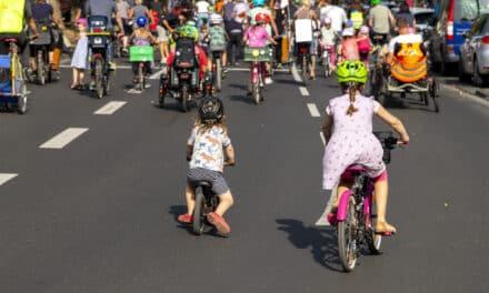 """Kidical Mass fordert von der neuen Bundesregierung:  """"Lasst Kinder selbständig und sicher Fahrrad fahren!"""""""